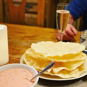 Poppadoms-on-table